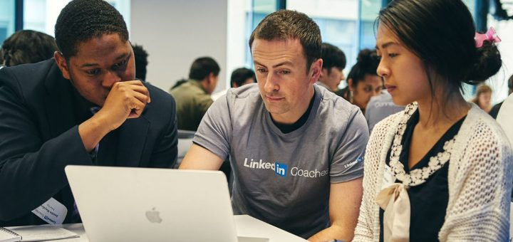 linkedin employee at table with others